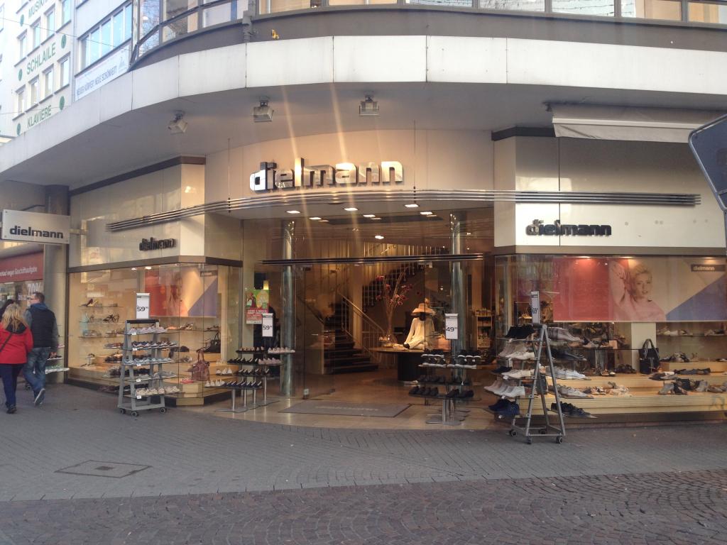 outlet store 01178 65c2d Schuhe Dielmann - Kaiserstraße 179, 76133 Karlsruhe ...